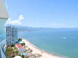 Icon Puerto Vallarta Sky Villa- Ocean View - 2 bed condo - Hotel District
