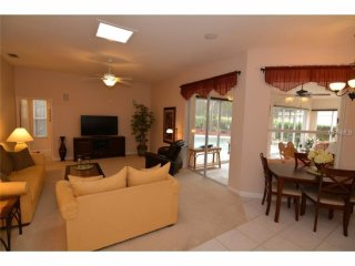 Orlando - Premium Vacation Rental - 10 Guests - 5 Bedrooms