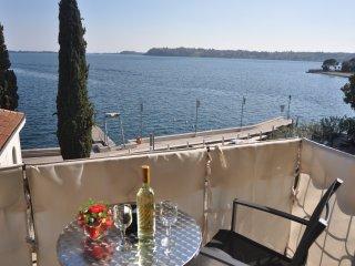 Splendido appartamento per 4/6 persone fronte lago a Gardone Riviera