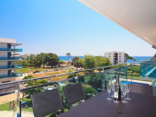 UHC MAR AUGUSTA 299: Beautiful apartment situated by the centre of Cambrils!