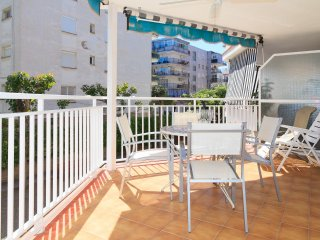 EBROMAR 116: The apartment is homely, and is 57 m2 in the touristic center!!