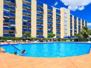 UHC ALBORAN 101: Nice apartment in the centre of Salou and close to the beach !