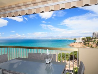 SOROLLA 110: Enjoy your holiday in a modern and comfortable apartment seaview!