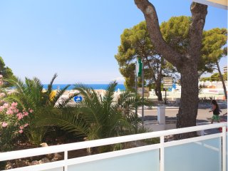BONAMAR 125: Spacious apartment conveniently located by the Capellans beach!