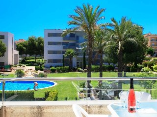 UHC SALOU VILLA 002: New and modern property only minutes walk to the beach