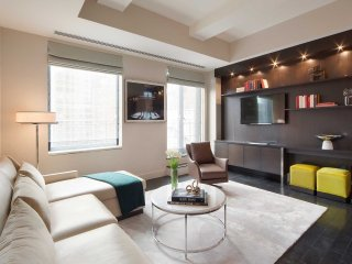 MAGNIFICENT 1BR LOFT AT 32ND STREET POOL-GYM