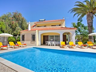 Villa Angelica - 4 Bed, 4 Bath, Private Pool, Close to Castelo Beach & Albufeira