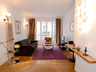 Montmartre 1BR Vacation Apartment in Paris for 4