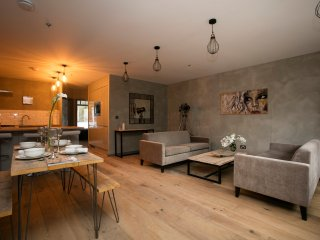 Quality 2 Bedroom Apartment for 6 - Close to Notting Hill Gate