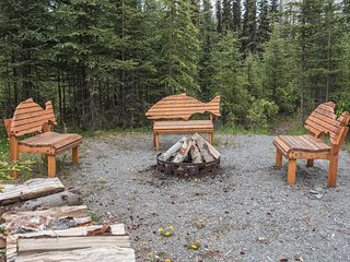 3 bedroom, 1 bath tucked in woods but close to Soldotna
