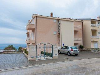 Vlado - free parking: A3(2+1) - Makarska