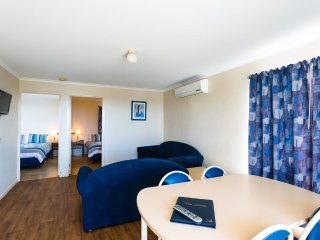 Port Lincoln Tourist Park - Self-Contained Ensuite Cabin