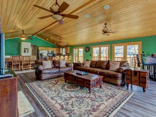 Scenic retreat w/ jetted tub, views of slopes & mtns -  covered wraparound deck