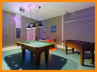Solterra Resort 9 - villa with private pool and game room near Disney