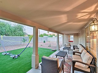 Downtown Phoenix Home w/Gas Grill & Badminton!