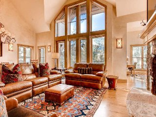 Beaver Creek townhome walking distance to slopes, hot tub, pool - Grande Vista