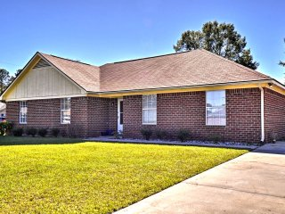 NEW! 4BR Hinesville Home Minutes from Fort Stewart
