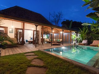 New wooden villa Joglo 2 bedrooms in Canggu