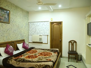 Jyoti Hotel dera bassi
