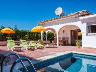 Lovely 3BR Villa Rosa in Peaceful Countryside