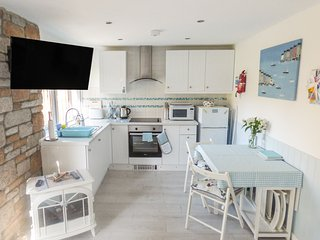 BUTTERFLY REST, open plan living area, St Ives Holiday Village, St Ives 3