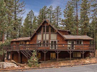 Remodeled & Spacious 4BR w/ Access to Incline Village Golf Courses & Beaches