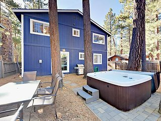 4BR Paradise in the Pines w/ Private Hot Tub - 2 Miles to Heavenly