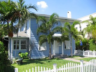 The Periwinkle House ~ RA170463