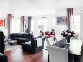 Classic Piri Reisplein Three Bedroom
