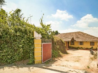 Single bedroom in a rustic homestay, 1.1 km from Madikeri Fort