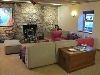 Quirky modernised Fishermans rest cottage in Muchalls, Stonehaven coast sleeps 6