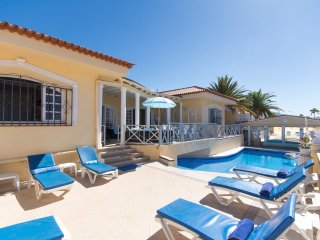 Stunning 4 Bedroom Villa. Private Heated Pool. Callao Salvaje. |V212501