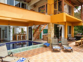 Beautiful Manakin Ocean View Villa 5- 8 BR, 9 baths