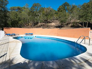 Can Maeva - Very large villa 8 bedroom 6 bathroom for 16-18 pax. Private pool