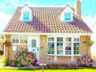 Sutton on sea holiday cottage, Pet Friendly close to Town & Beach, WiFi