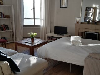 Special Super sized large double bedroom / private living room - Great Value