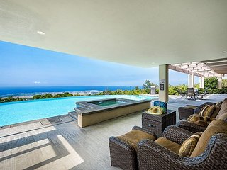 Large 7 bedroom custom home, Private Pool & Spa, Spectacular Ocean views