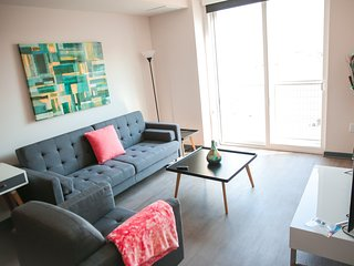 1 Bedroom Luxury Suite in DTLA Lic2333