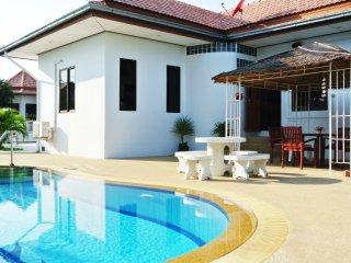 Kenihill Party House (Pool Villa)