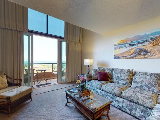 Spacious Ocean View condo with shared hot tub, pool, & nearby Kahana Beach!