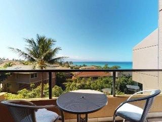 Spacious resort condo with shared hot tub, pool, & nearby Kahana Beach!
