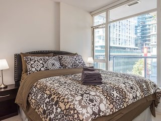 Central Downtown/Yaletown 1 Bedroom Condo With Parking