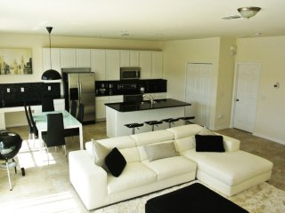 Budget Getaway - Bella Vida Resort - Welcome To Cozy 4 Beds 3 Baths Townhome