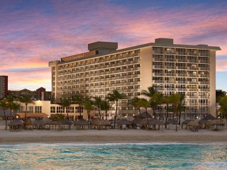 The Newport Beachside Hotel & Resort offers guests well-appointed accommodations