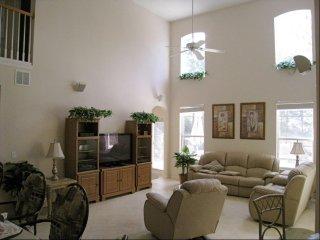 Orlando - Premium Vacation Rental - 10 Guests - 5 Bedrooms
