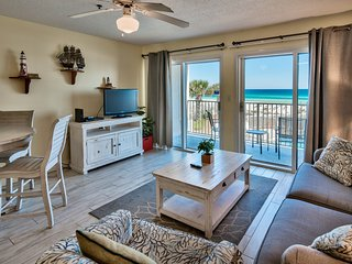 Rare Beachfront Pool! Great Views ~ King Master + Hall Bunk Beds ~ Beachfront!
