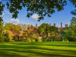 Creeksea Place, Breathtaking Elizabethan Manor House