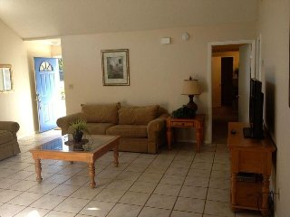 Home near Disney w/ WiFi, Pool, Flat Screen TV, Hot Tub & Resort Tennis