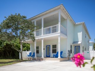 All New! Close to Beach! Private Pool & Guest House! Dogs OK