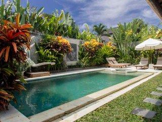 Oberoi super deal!! 3 bedrooms villa